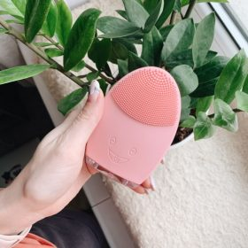 Mini Electric Face Cleansing Brush Rechargeable photo review